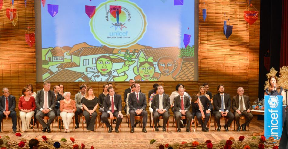 Solange Ribeiro, diretora-presidente da Neoenergia, discursa na premiação do Selo